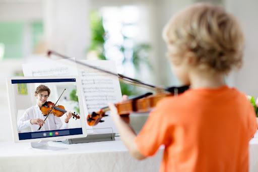 مزایا و معایب کلاس های آنلاین موسیقی