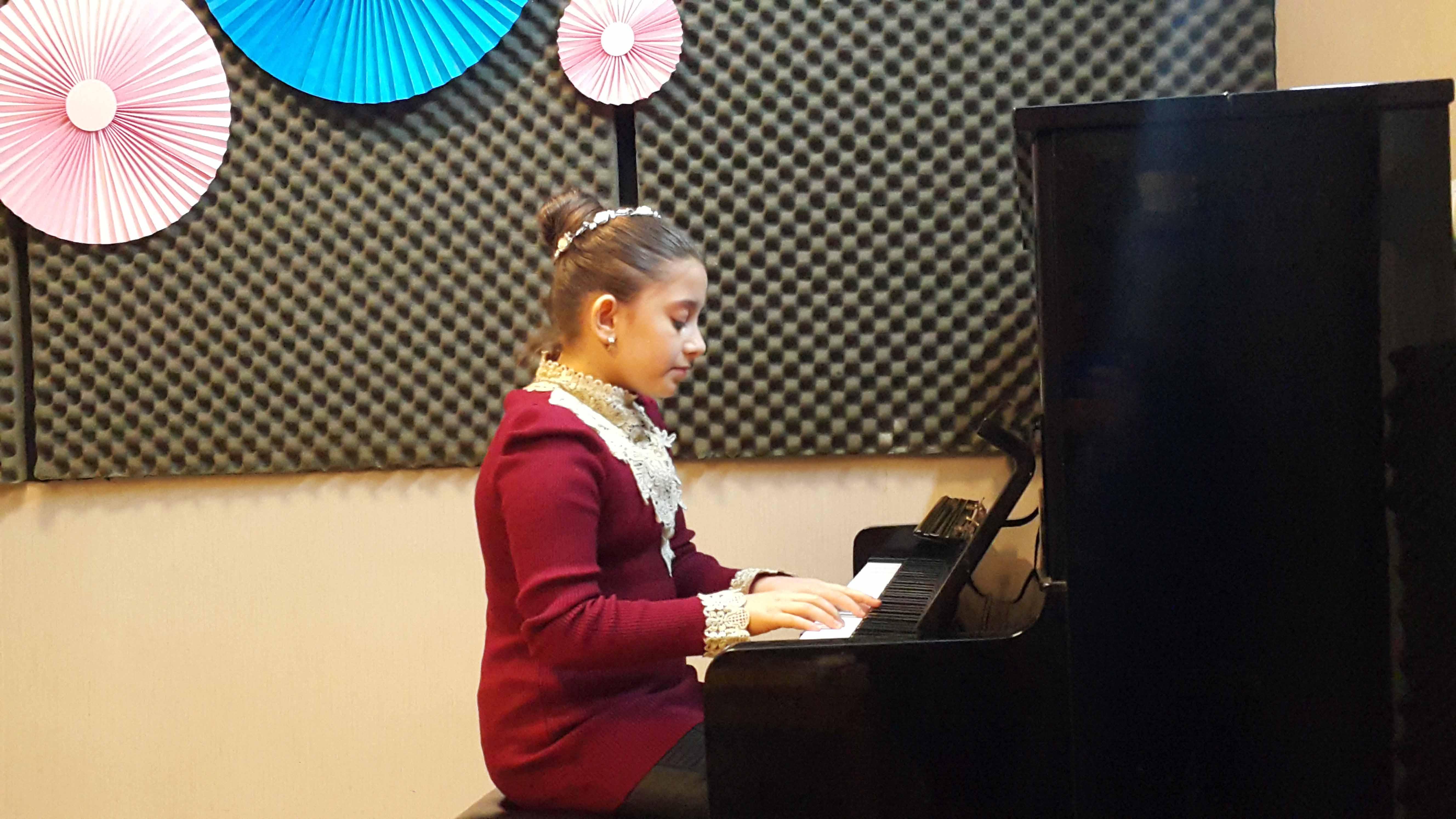 کنسرت هنرجویی هنرجویان پیانو - اسفندماه 1397 - آموزشگاه موسیقی شیدا